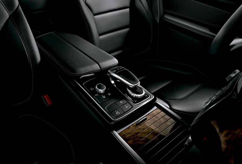 mercedes-benz-japan-the-gle-domestic-input20151101-9