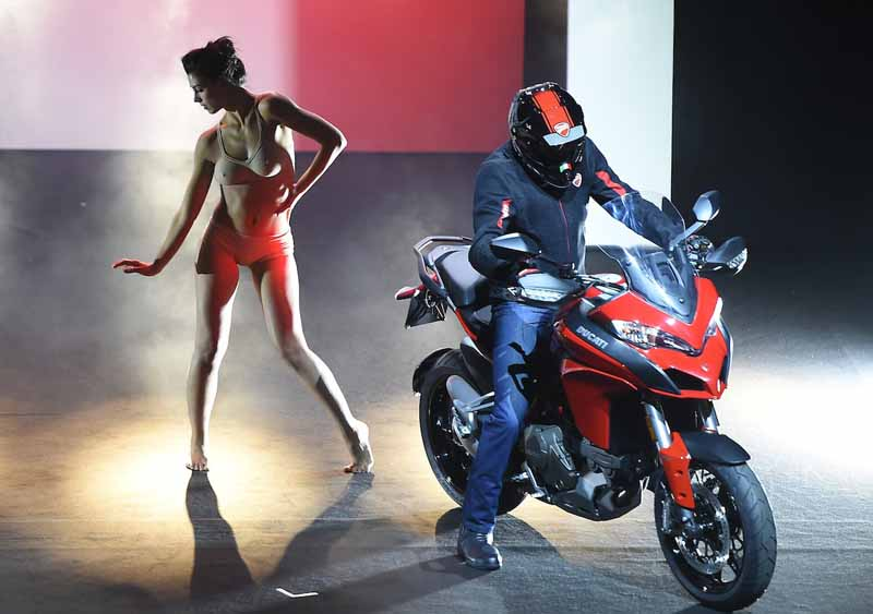 published-seven-new-models-in-the-ducati-world-premiere-2016-held20151120-12