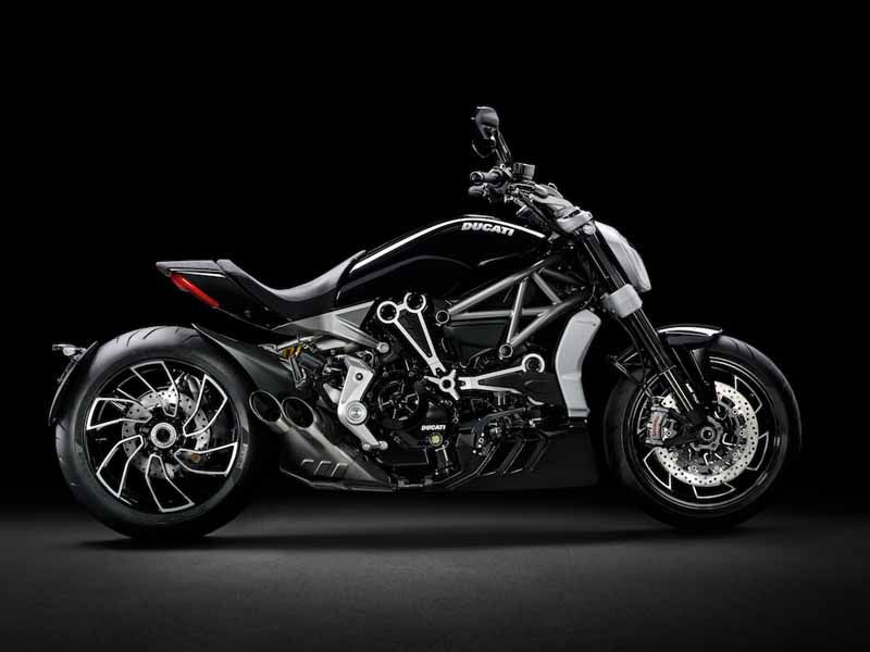 published-seven-new-models-in-the-ducati-world-premiere-2016-held20151120-9