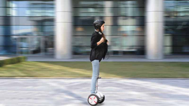 standing-riding-electric-motorcycle-nine-bot-mini-pro-japans-first-published-in-osaka-motor-show20151124-4