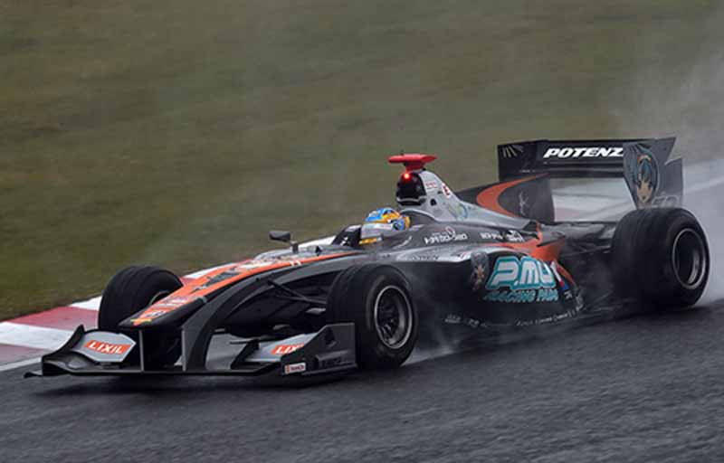 super-formula-seventh-round-suzuka-last-final-win-the-first-title-by-itself-is-ishiura20151108-5