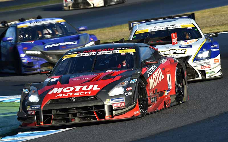 super-gt-motegi-race-second-place-prize-of-motul-autech-gt-r-series-straight-victory20151117-1