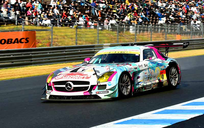 super-gt-motegi-race-second-place-prize-of-motul-autech-gt-r-series-straight-victory20151117-14