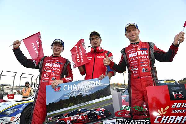 super-gt-motegi-race-second-place-prize-of-motul-autech-gt-r-series-straight-victory20151117-3