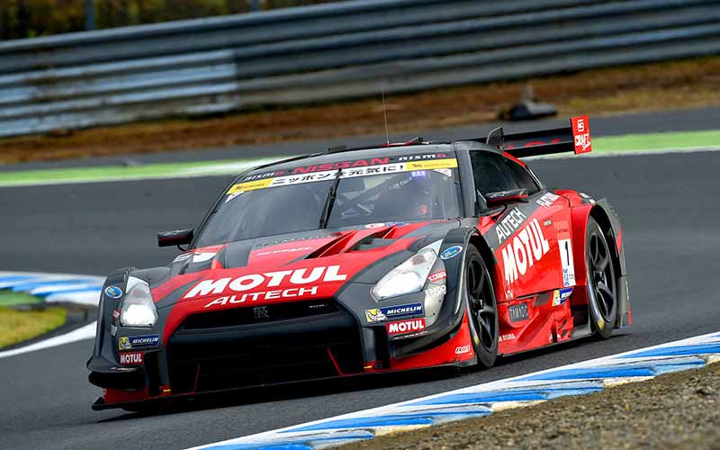 super-gt-motegi-race-second-place-prize-of-motul-autech-gt-r-series-straight-victory20151117-4