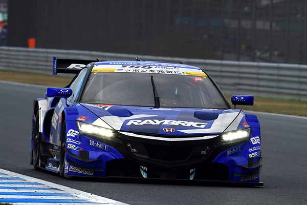 super-gt-motegi-race-second-place-prize-of-motul-autech-gt-r-series-straight-victory20151117-5