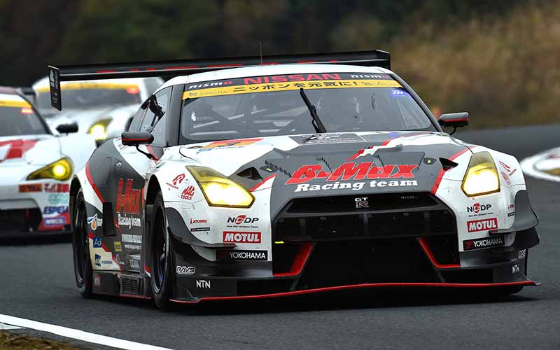 super-gt-round-7-autopolis-motul-autech-gt-r-this-season-second-victory20151104-31