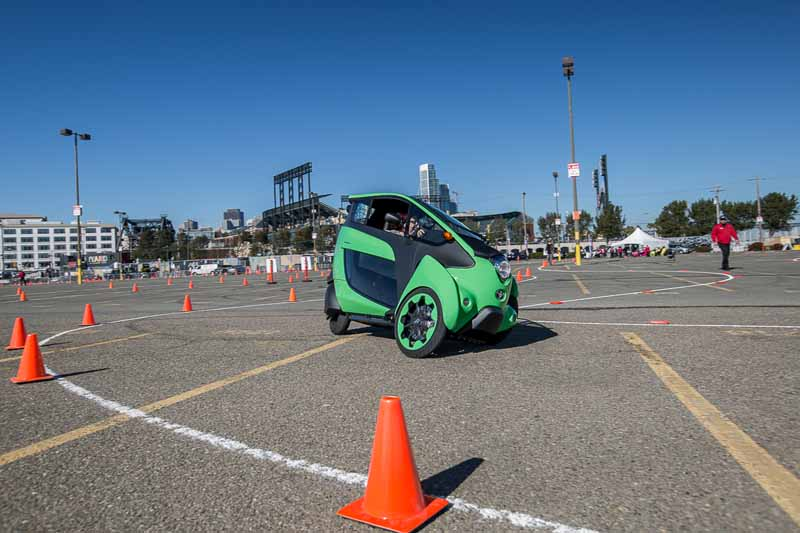 toyota-contest-of-mobility-business-by-utilizing-the-i-road-in-the-united-states20151117-3