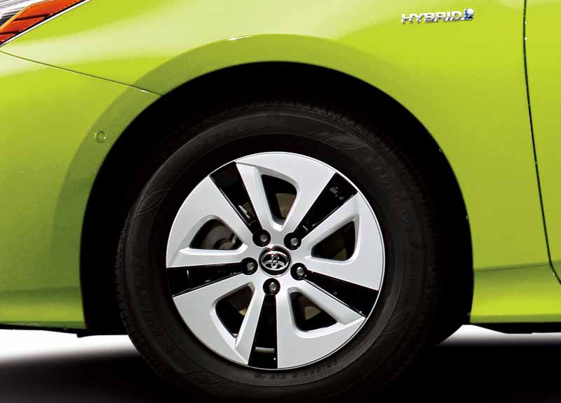 toyota-prius-test-drive-symbol-new-challenges-to-meet-the-changes-in-the-pioneer20151124-17