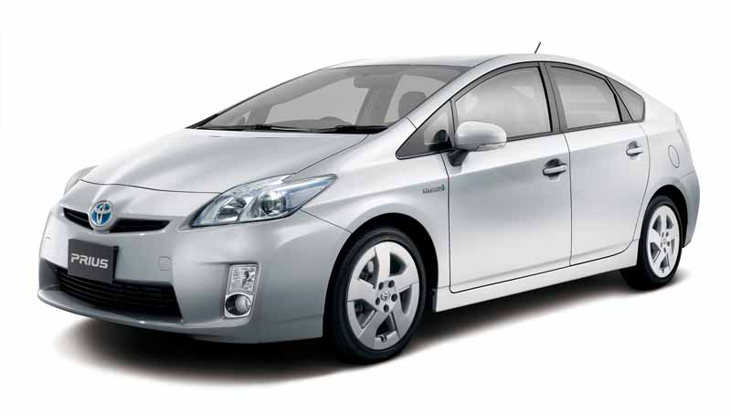 toyota-prius-test-drive-symbol-new-challenges-to-meet-the-changes-in-the-pioneer20151124-43