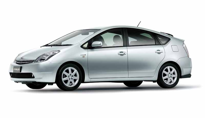 toyota-prius-test-drive-symbol-new-challenges-to-meet-the-changes-in-the-pioneer20151124-44