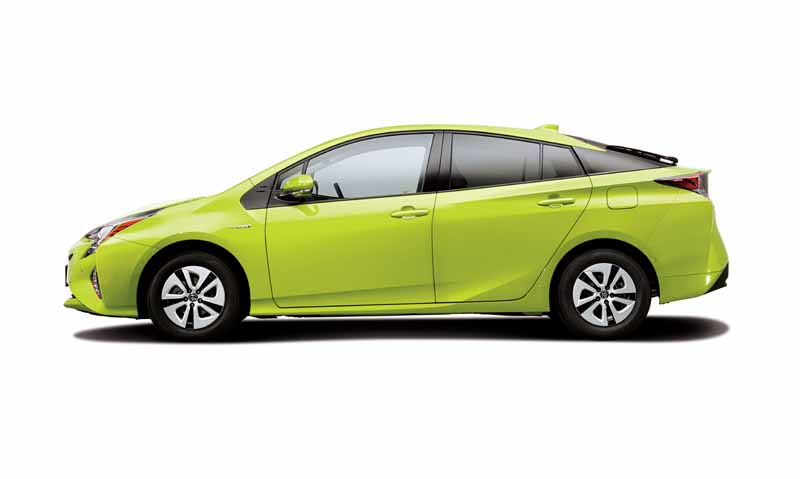 toyota-prius-test-drive-symbol-new-challenges-to-meet-the-changes-in-the-pioneer20151124-46