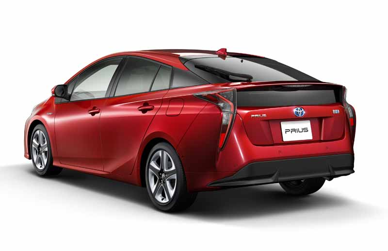 toyota-prius-test-drive-symbol-new-challenges-to-meet-the-changes-in-the-pioneer20151124-48