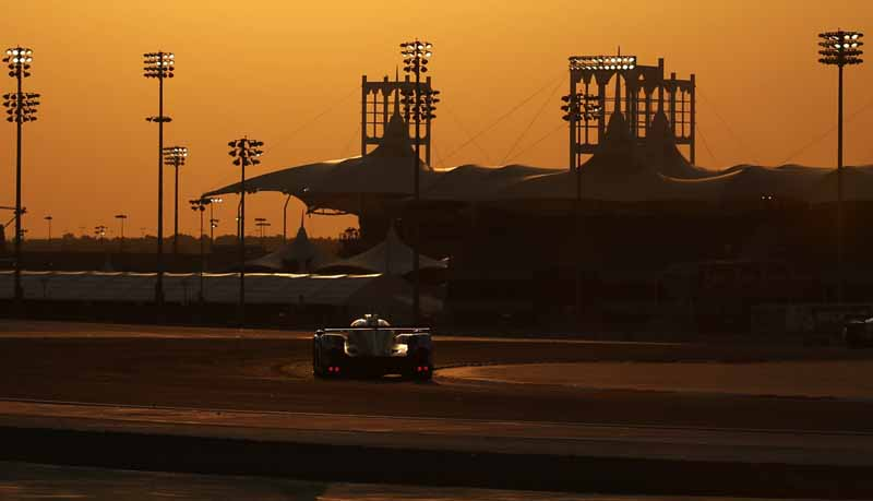toyota-ts040-hybrid-won-third-place-and-fourth-place-in-the-wec-final-round-bahrain-6-hours20151123-10