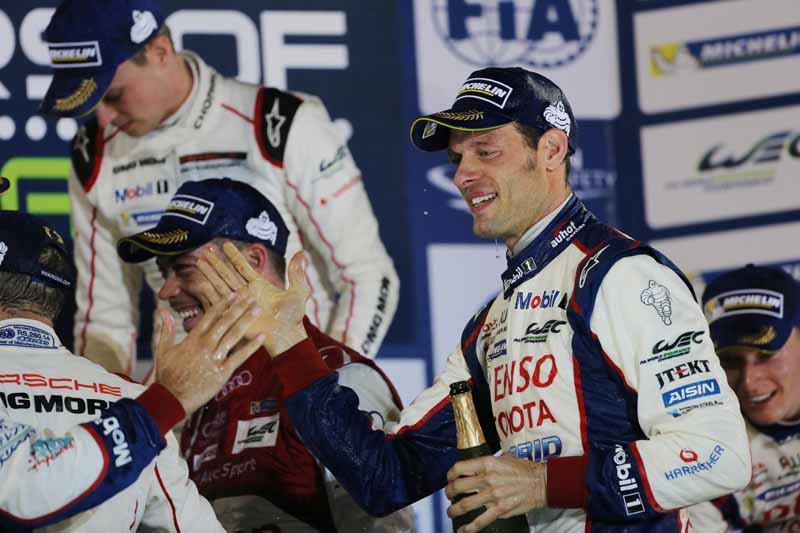 toyota-ts040-hybrid-won-third-place-and-fourth-place-in-the-wec-final-round-bahrain-6-hours20151123-19
