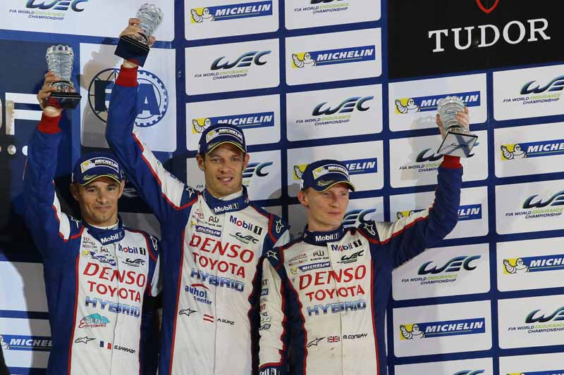 toyota-ts040-hybrid-won-third-place-and-fourth-place-in-the-wec-final-round-bahrain-6-hours20151123-3