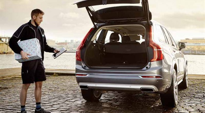 volvo-headquarters-and-delivery-of-christmas-shopping-to-the-trunk-of-the-car201111251