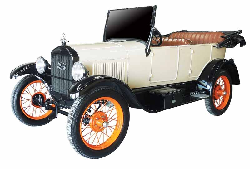 web-mega-exposicion-especial-para-conocer-la-historia-de-la-hakone-ekiden-y-el-coche20151113-1