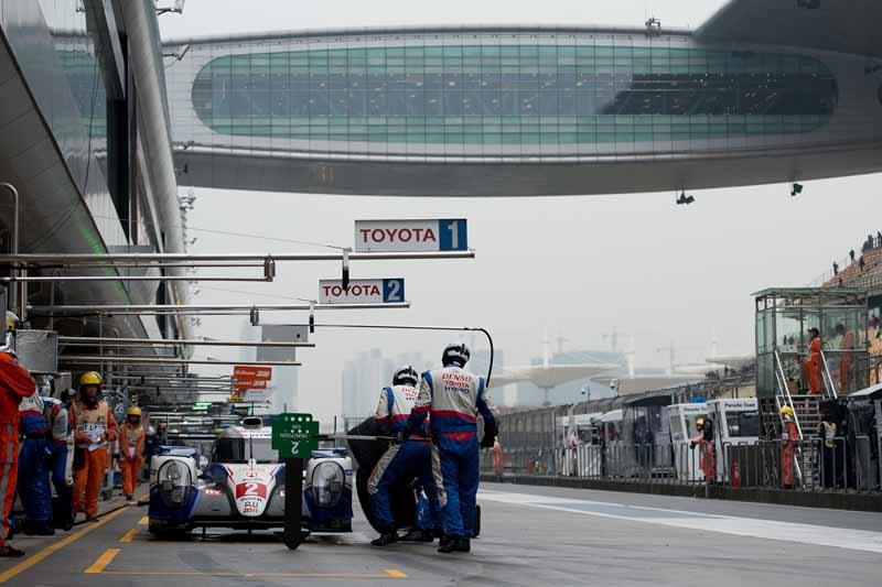 wec-round-7-and-shanghai-toyota-to-finish-in-fifth-place-sixth-place-at-the-mercy-of-rain20151103-5