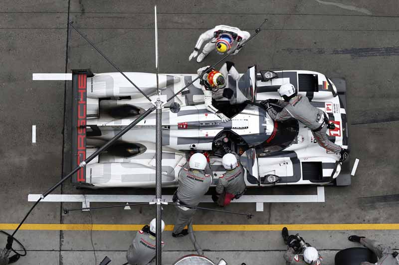 wec-shanghai-manufacturers-title-won-by-porsche-1-2-finish20151104-6