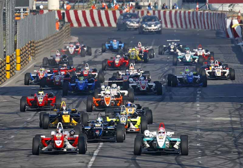 yokohama-rubber-and-support-the-macau-grand-prix-at-33-years-in-a-row20151116-2