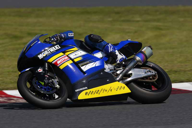 sportmax-α-13sp-is-determined-to-one-make-tire-of-jp250-race-of-sumitomo-rubber20151223-8
