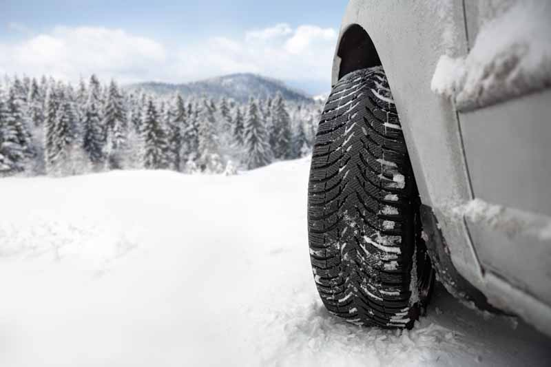 all-season-tires-jiwari-and-popularity-at-light-snow-region-world-loop-of-import-tire-shop-tsukuba20151229-11