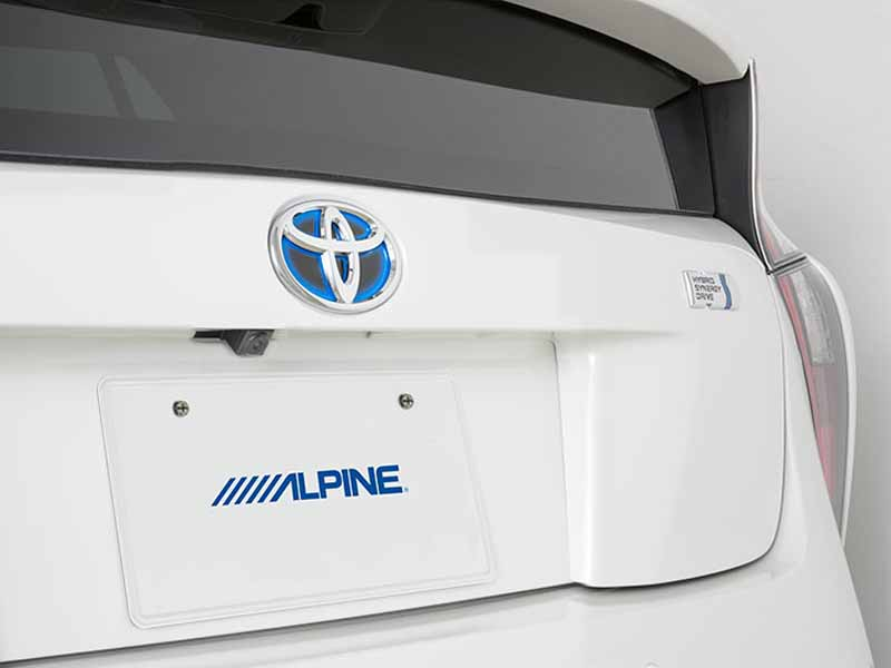 alpine-announced-a-new-product-of-the-new-prius-dedicated20151228-3