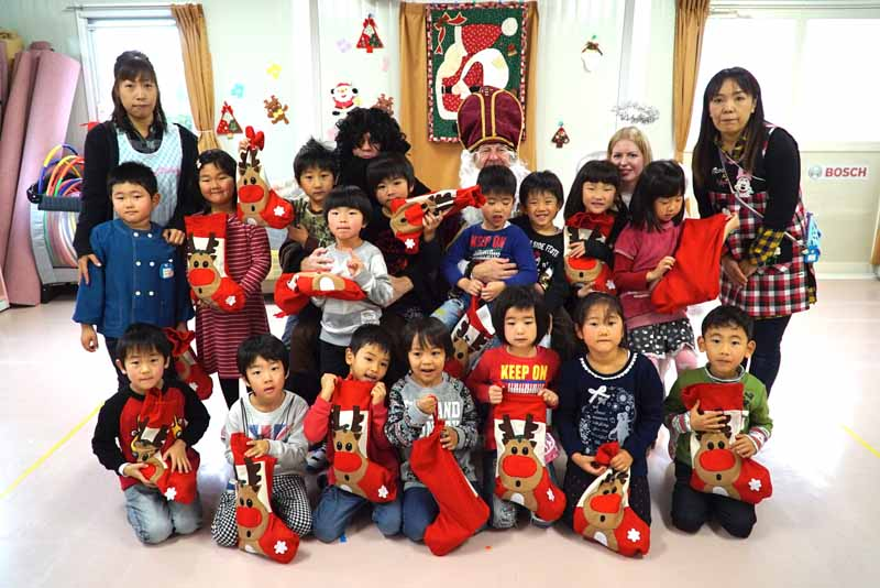 bosch-japan-conducted-on-december-4-this-year-the-germany-of-santa-claus-event20151207-4