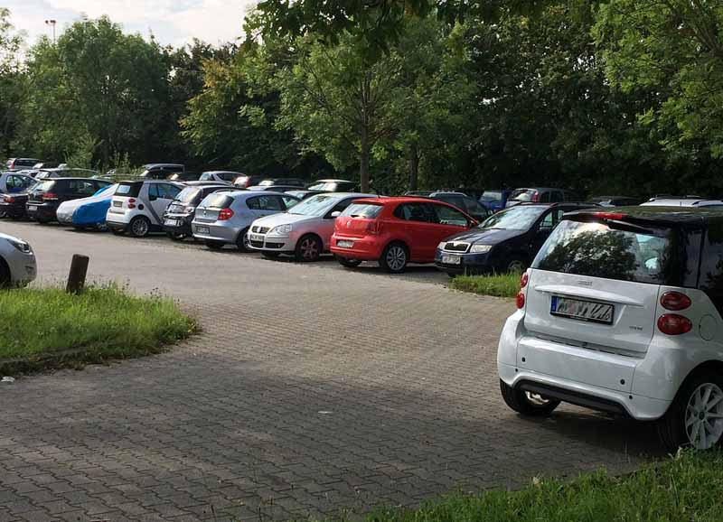 bosch-online-services-start-of-parking-information-in-germany-stuttgart20151218-3