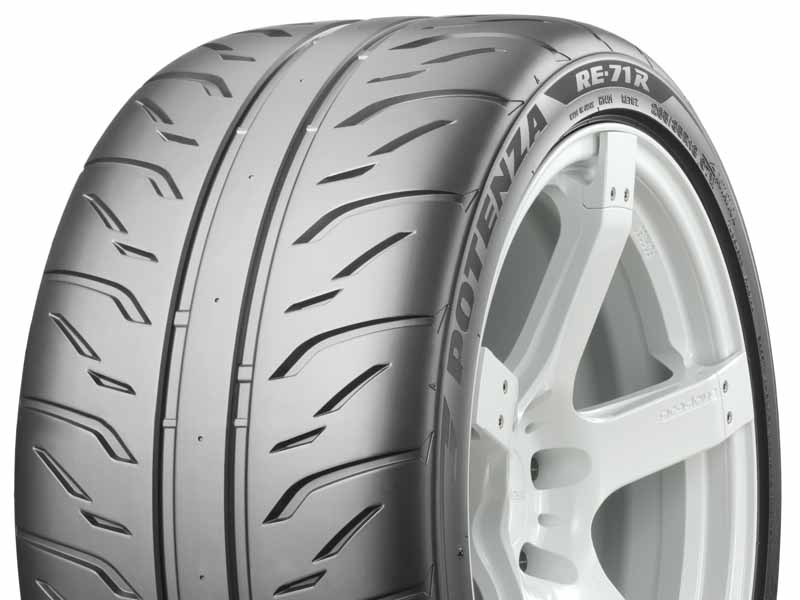 bridgestone-coches-nuevos-adjuntos-a-potenza-re-71r-toyota-86-grmn20151224-1