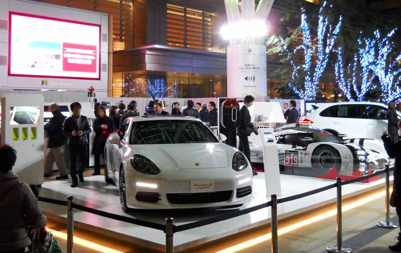 catch-a-glimpse-of-the-new-frontier-that-porsche-aims-at-the-sound-of-porsche20151203-2