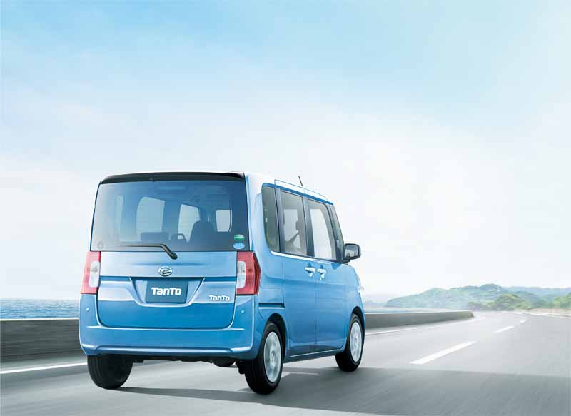 daihatsu-and-revamped-the-interior-and-exterior-design-perform-tanto-minor-change20151214-24