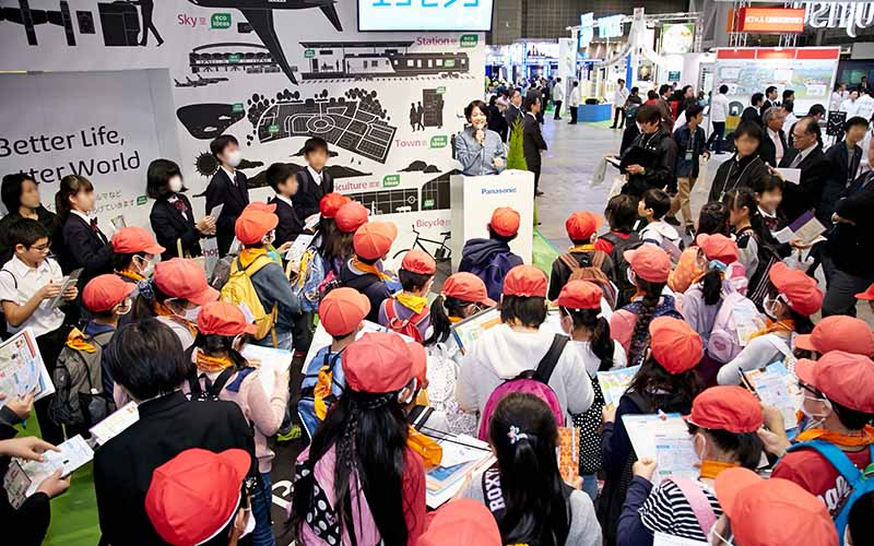 eco-products-exhibition-closing-to-mark-the-169118-people-attended-performance20151213-4