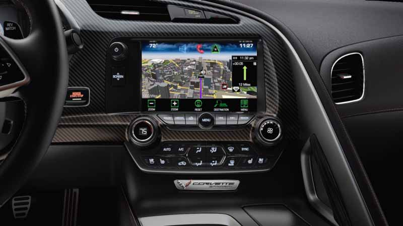 gm-japan-to-the-cadillac-chevrolet-to-apple-carplay-standard-feature20151209-2
