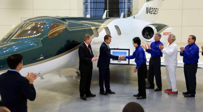 honda-aircraft-company-started-the-delivery-of-the-honda-jet20151224-1