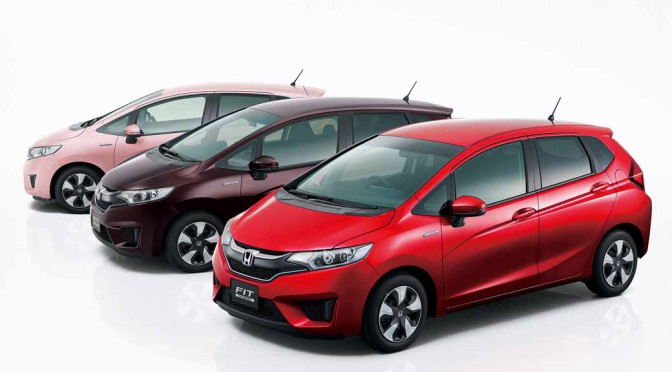 honda-and-set-the-special-specification-car-comfort-edition-in-fit20151217-1