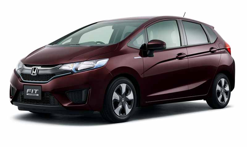honda-and-set-the-special-specification-car-comfort-edition-in-fit20151217-2