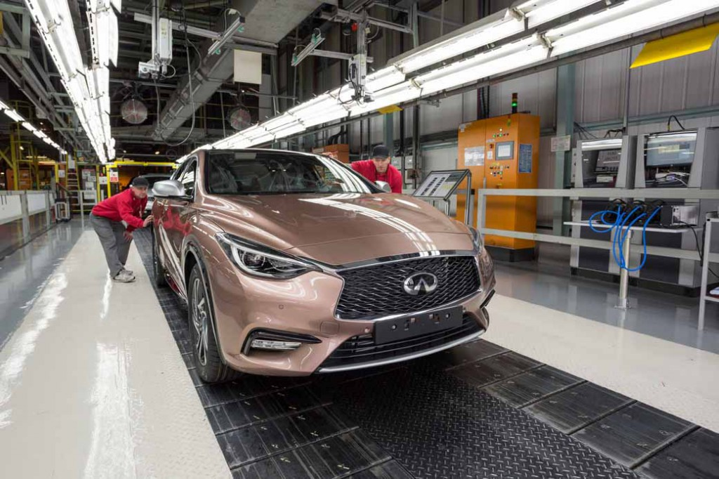 infiniti-the-uk-sunderland-plant-in-europes-first-q30-and-to-production20151203-1