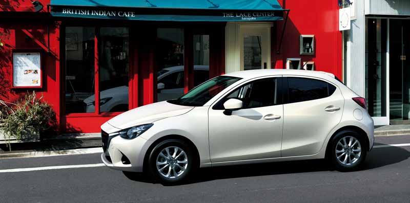 mazda-y-la-mejora-del-producto-del-demio-y-el-coche-especificacion-especial-cuero-negro-limitado-lanzado20151224-2