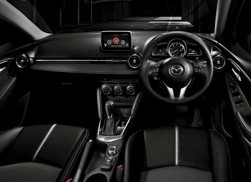 mazda-y-la-mejora-del-producto-del-demio-y-el-coche-especificacion-especial-cuero-negro-limitado-lanzado20151224-8