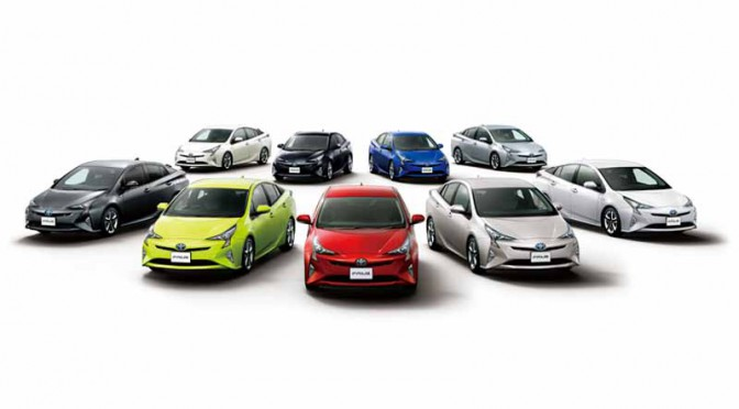 mega-web-special-exhibits-and-test-drive-events-conducted-new-prius20151212-2