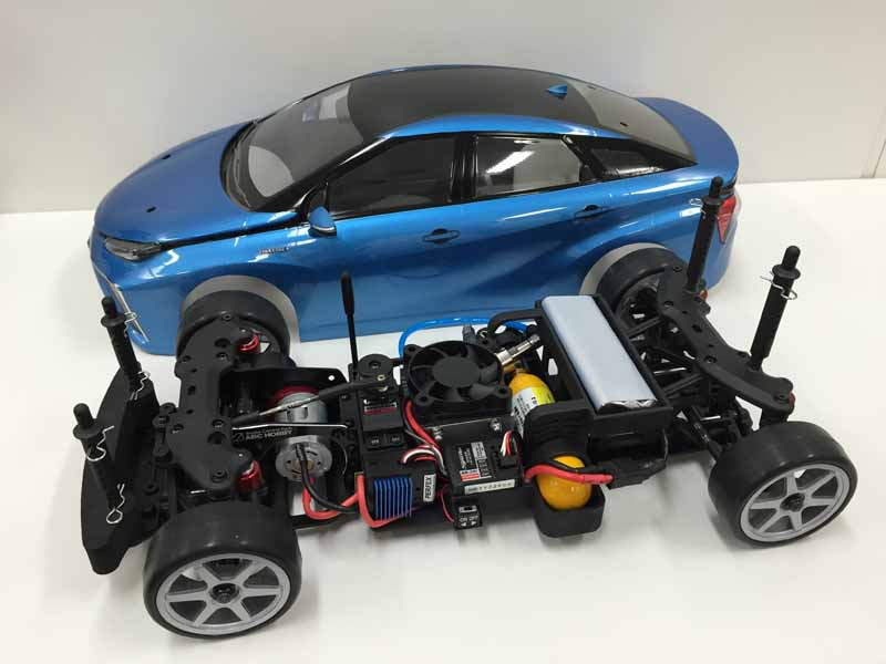 mega-web-test-drive-events-1219-20-held-a-kit-car-that-run-on-fuel-cell20151202-2