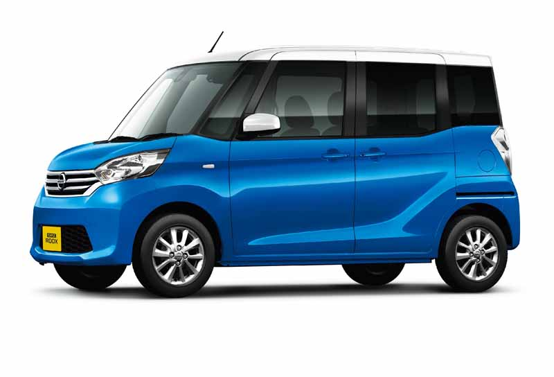 nissan-introduces-special-specification-car-of-days-lukes-a-v-selection20151204-5