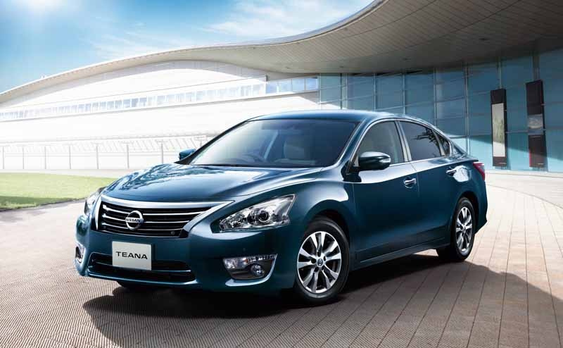 nissan-to-improve-the-part-specification-of-teana-as-standard-automatic-brake-in-all-grades20151217-4