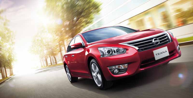 nissan-to-improve-the-part-specification-of-teana-as-standard-automatic-brake-in-all-grades20151217-5