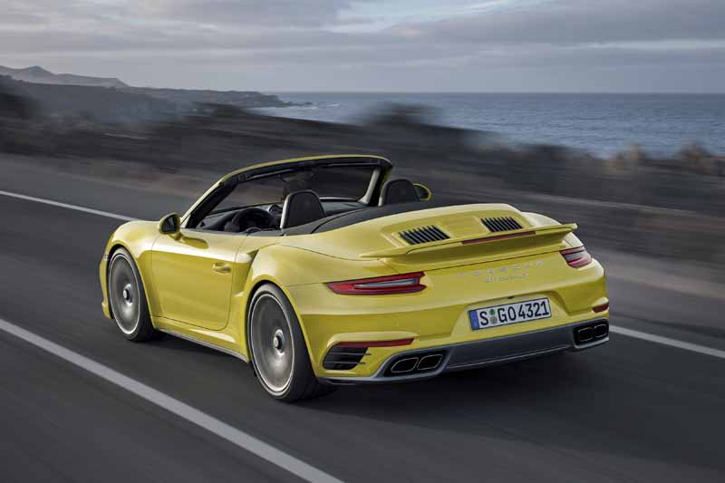 porsche-japan-booking-orders-the-start-of-the-new-911-turbo-and-the-911-turbo-s20151201-7