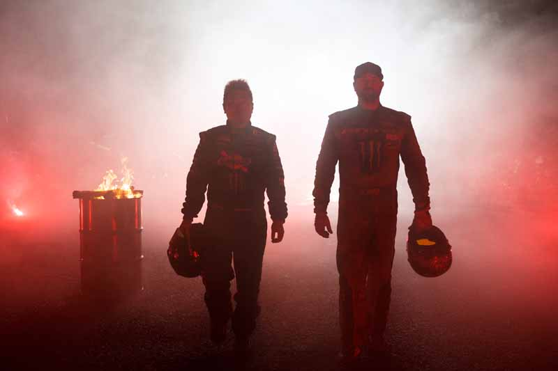 summit-decisive-battle-is-the-realization-of-a-dream-by-the-stage-in-japan-and-the-united-states-top-drift-drivers-of-the-niigata-ruins20151217-1