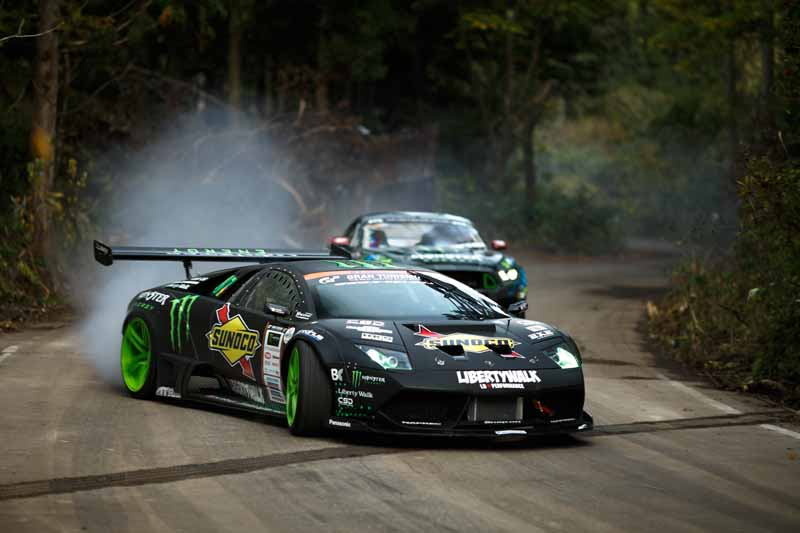summit-decisive-battle-is-the-realization-of-a-dream-by-the-stage-in-japan-and-the-united-states-top-drift-drivers-of-the-niigata-ruins20151217-7