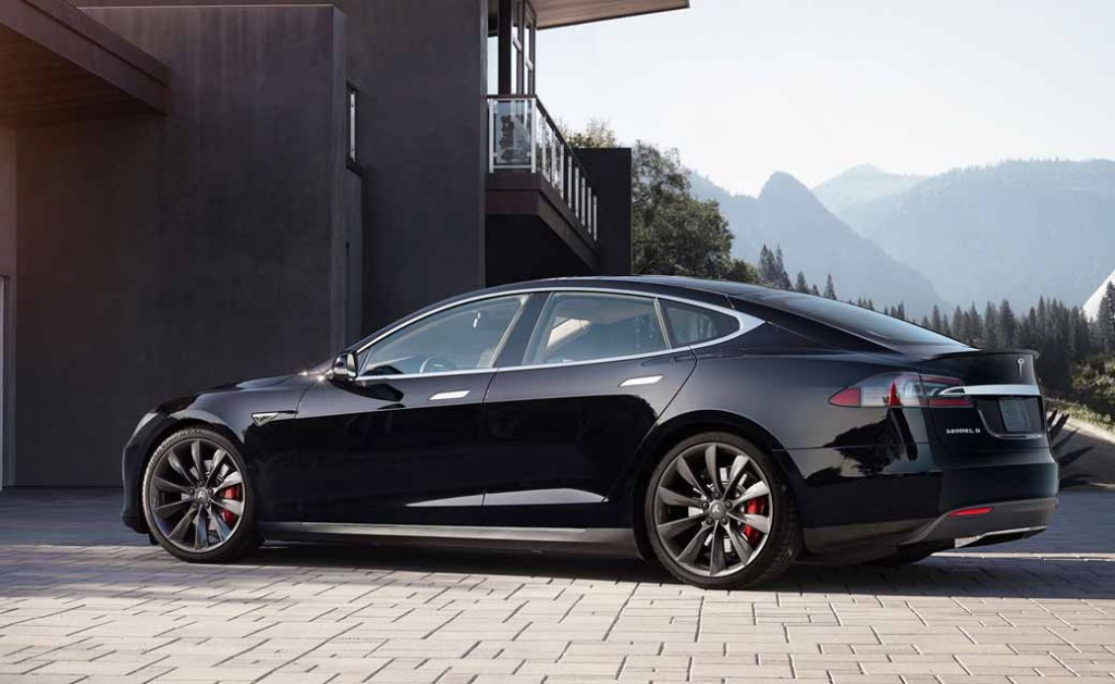 tesla-model-s-p85d-2015-2016-japan-car-of-the-year-innovation-award20151216-3